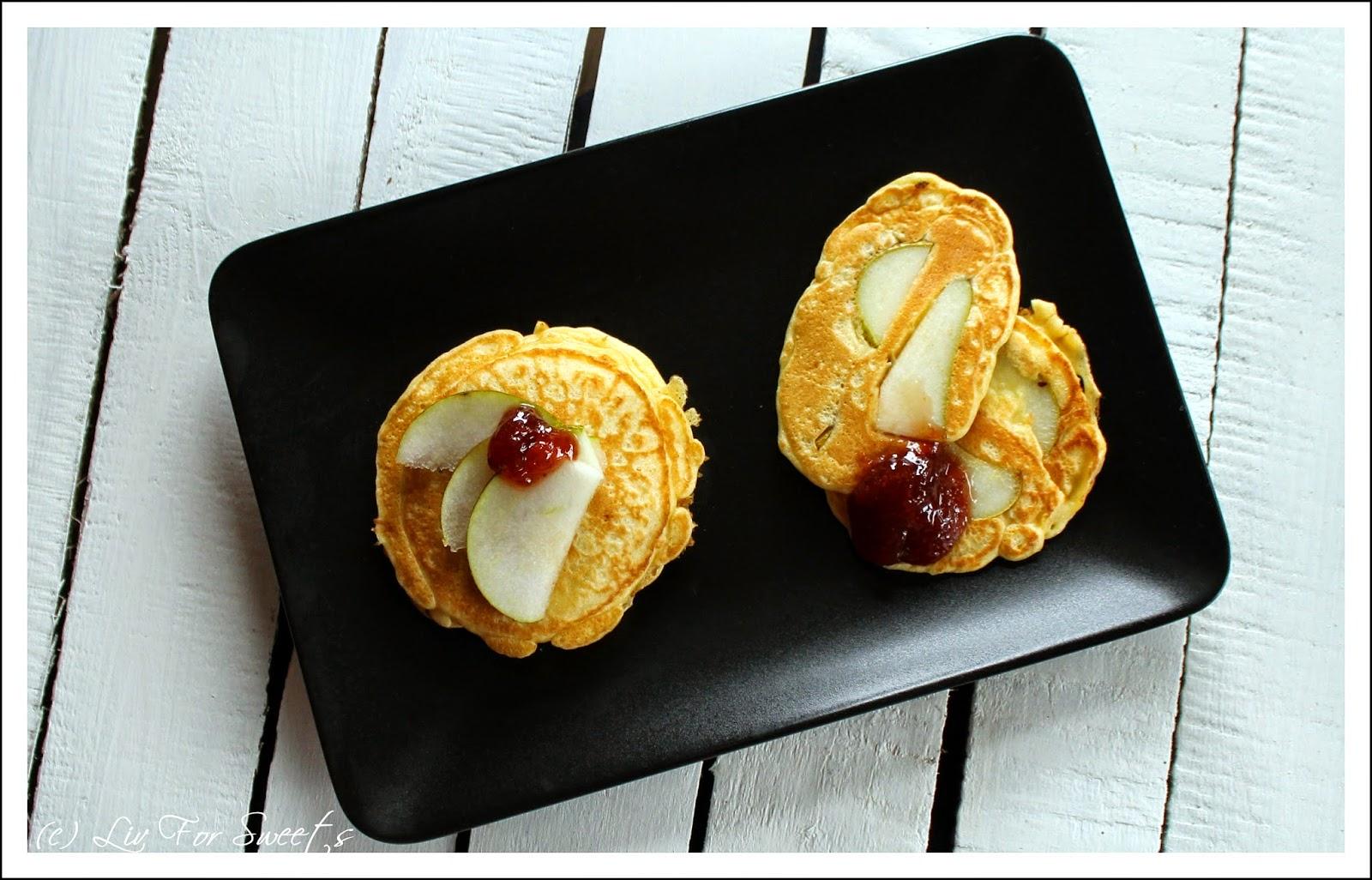 Pancakes mit Birnenspalten. Ein Thermomix-Rezept