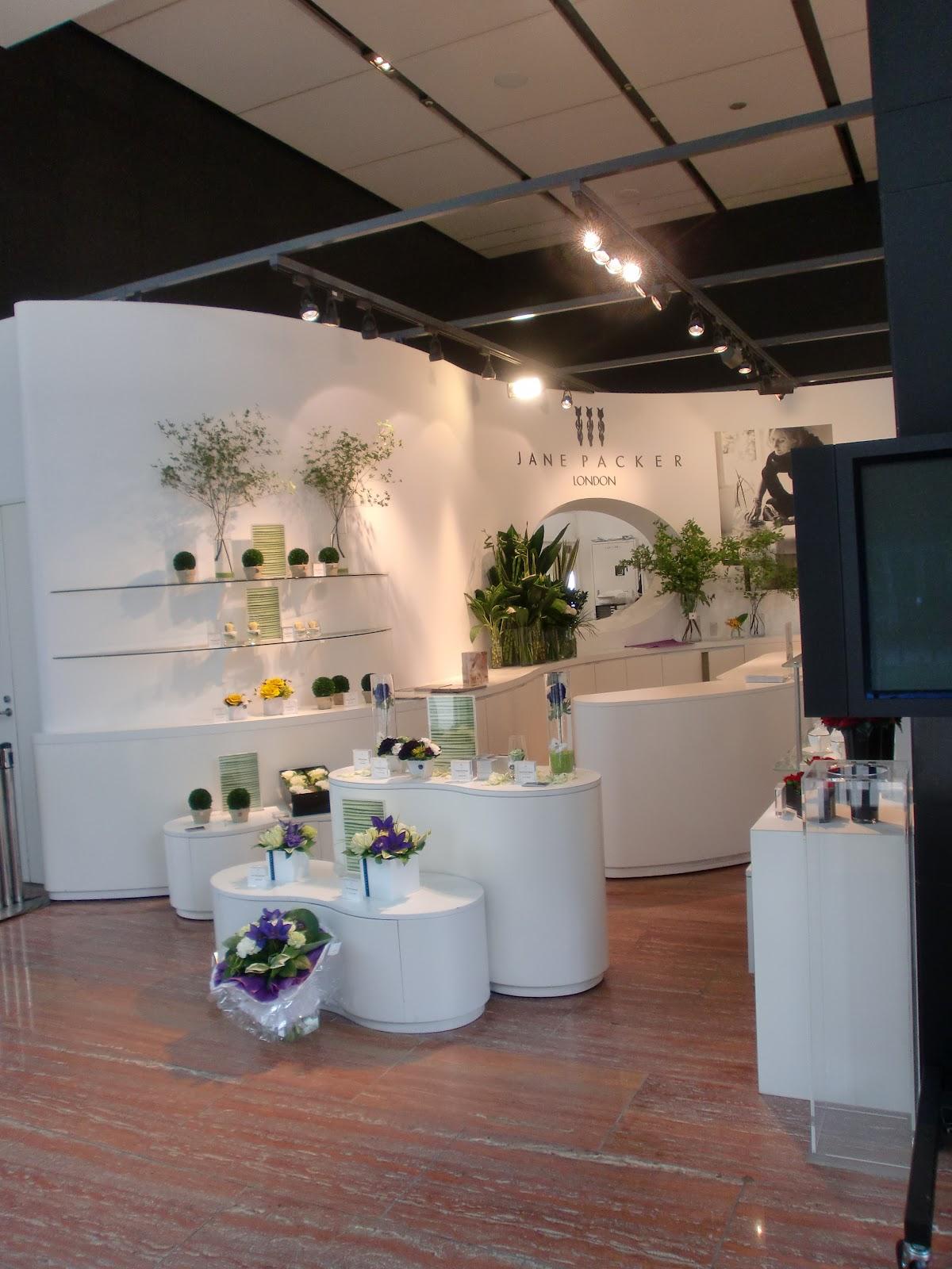let 39 s start designing your new style foreign flower designer shop in tokyo part 1. Black Bedroom Furniture Sets. Home Design Ideas