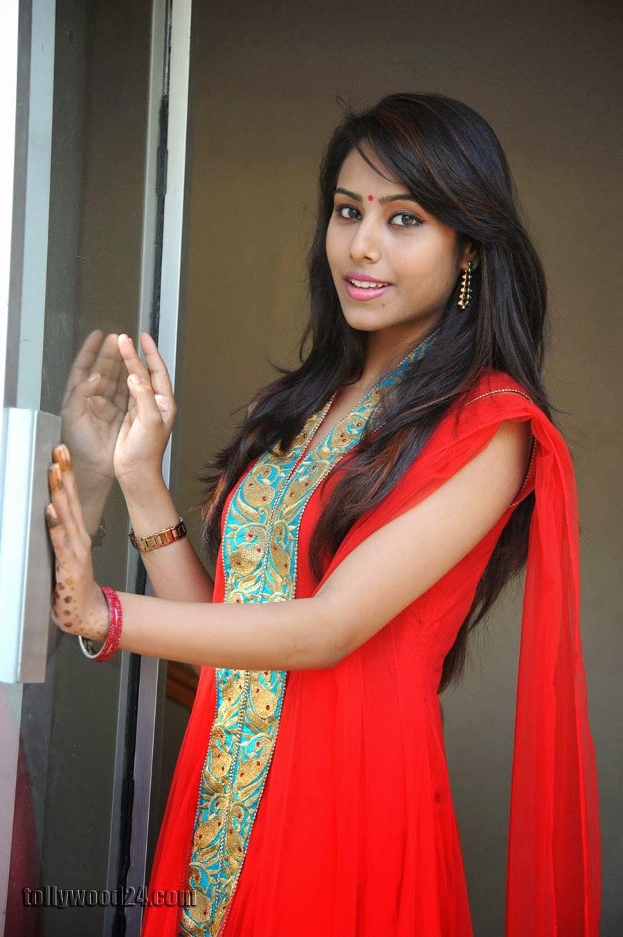 Beautiful Khenisha Chandran Photos Gallery-HQ-Photo-19