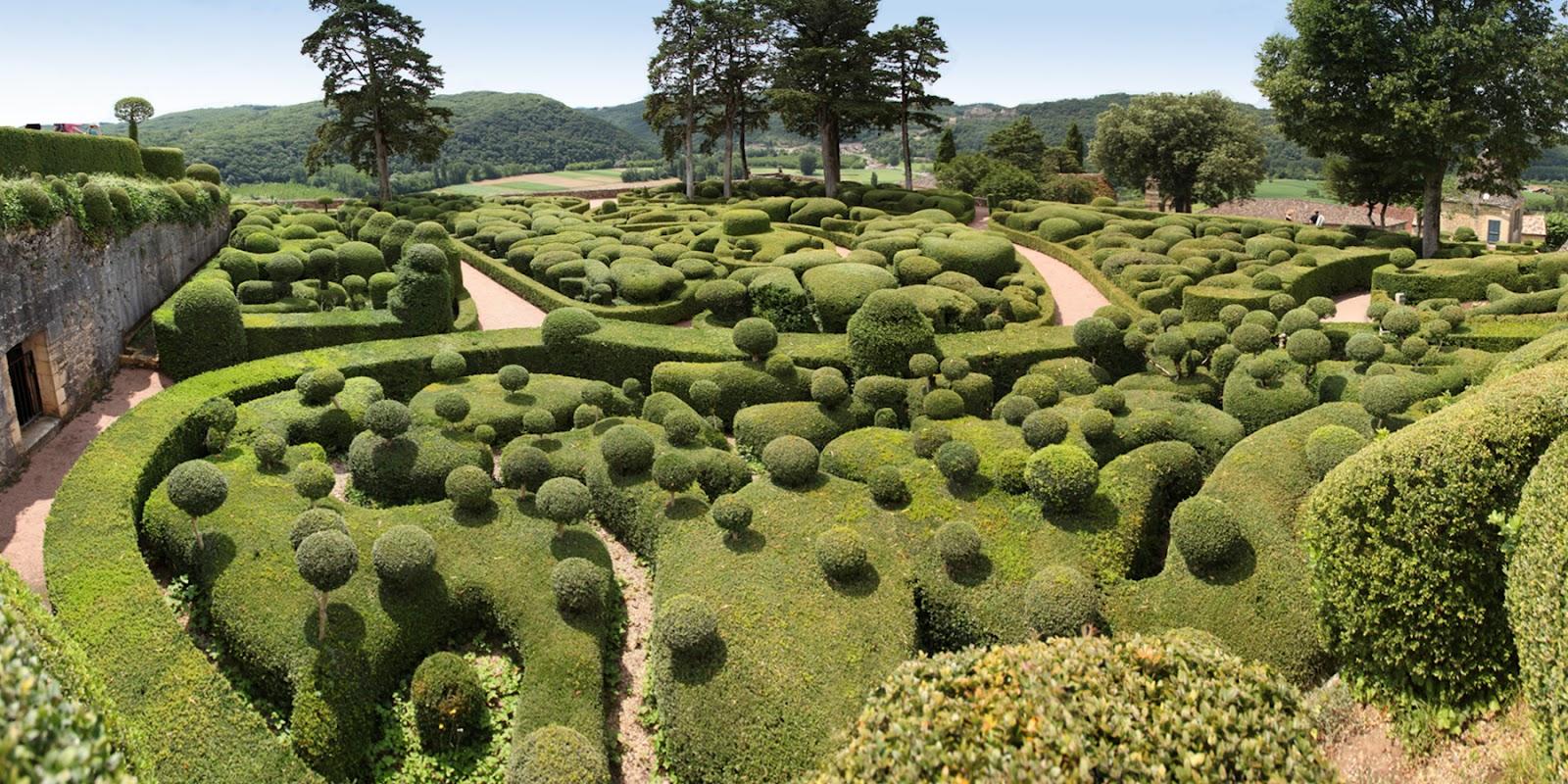 Korzen is in the garden jardins suspendus de marqueyssac dordogne - Jardins suspendus de marqueyssac ...