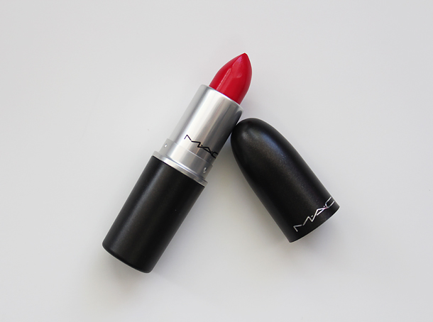 mac relentlessly red retro matte lipstick review swatch nc30