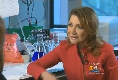 doctora hablando sobre los zombis en miami