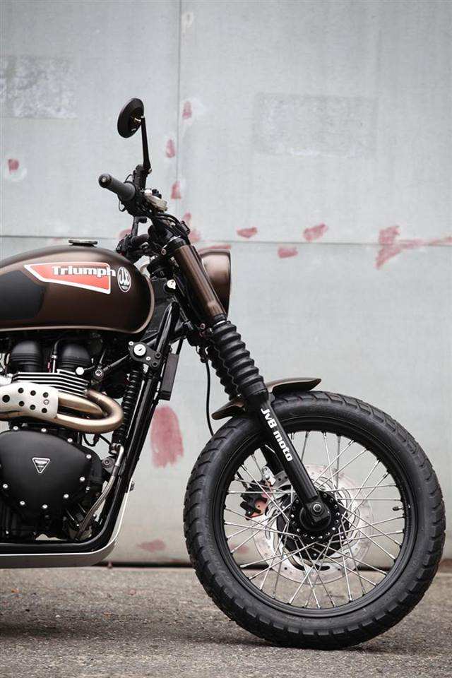 motorcycle modification: Triumph \