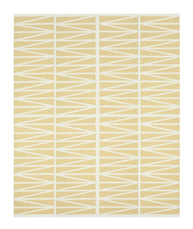 Helmi Plastic Woven Rug in yellow