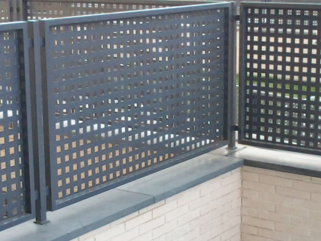 Rejas para puertas tattoo design bild for Puertas de diseno