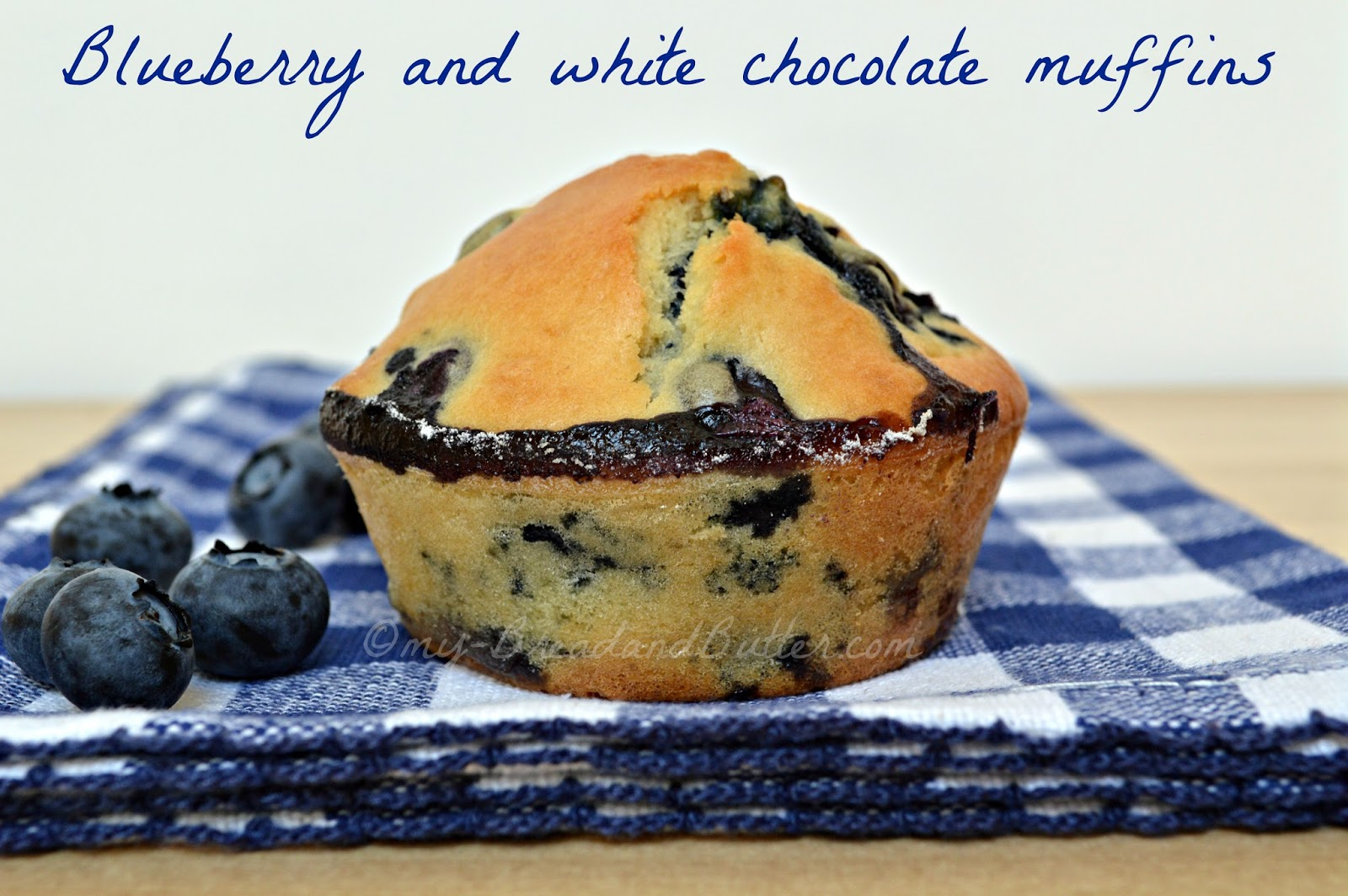 BLUEBERRY AND WHITE CHOCOLATE MUFFINS INGREDIENTS Makes 4 muffins
