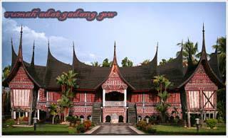 Keberagaman dan keunikan rumah adat di Indonesia yang terkenal di mata dunia,Rumah Adat Gadang Sumatera Barat
