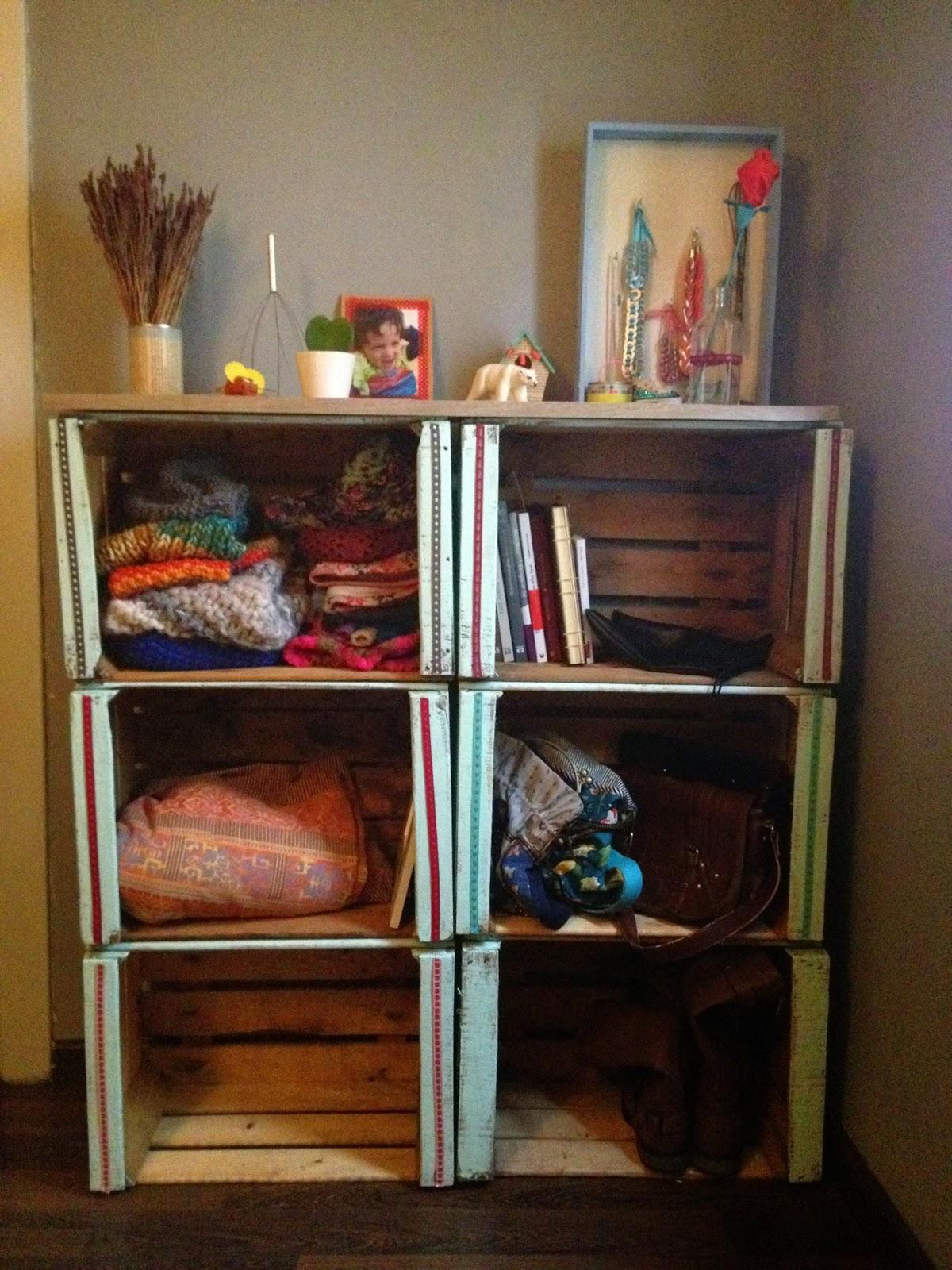 Muebles cajas fruta for Muebles con cajas de madera
