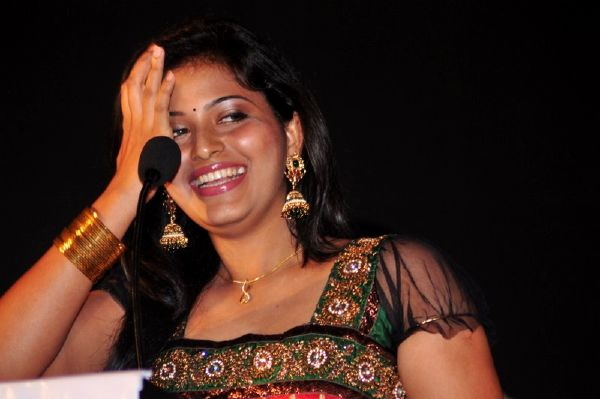 ANJALI LATEST STILLS gallery pictures