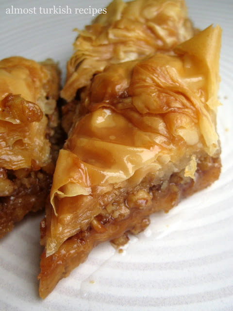 on the walnut camp, I will give you an easy-to-make walnut baklava ...