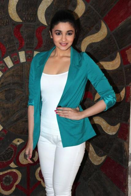 Wallpapers: Alia Bhatt At Stardust Awards 2013 Announcement
