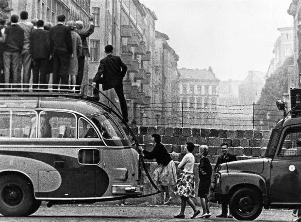 Construcción del Muro de Berlín