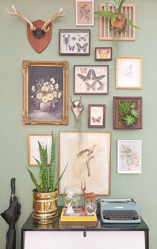 LollipopsDaydreams: Plates and Frames Feature Wall
