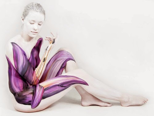 08-Gesine-Marwedel-Living-Art-in-Body-Painting-www-designstack-co