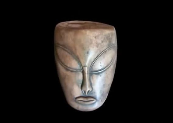 Risultati immagini per manufatti maya, alieni