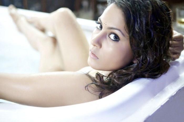 madhu shalini from department movie, madhu shalini spicy photo gallery