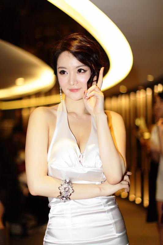 Im Ji Hye - Beautiful in white dress