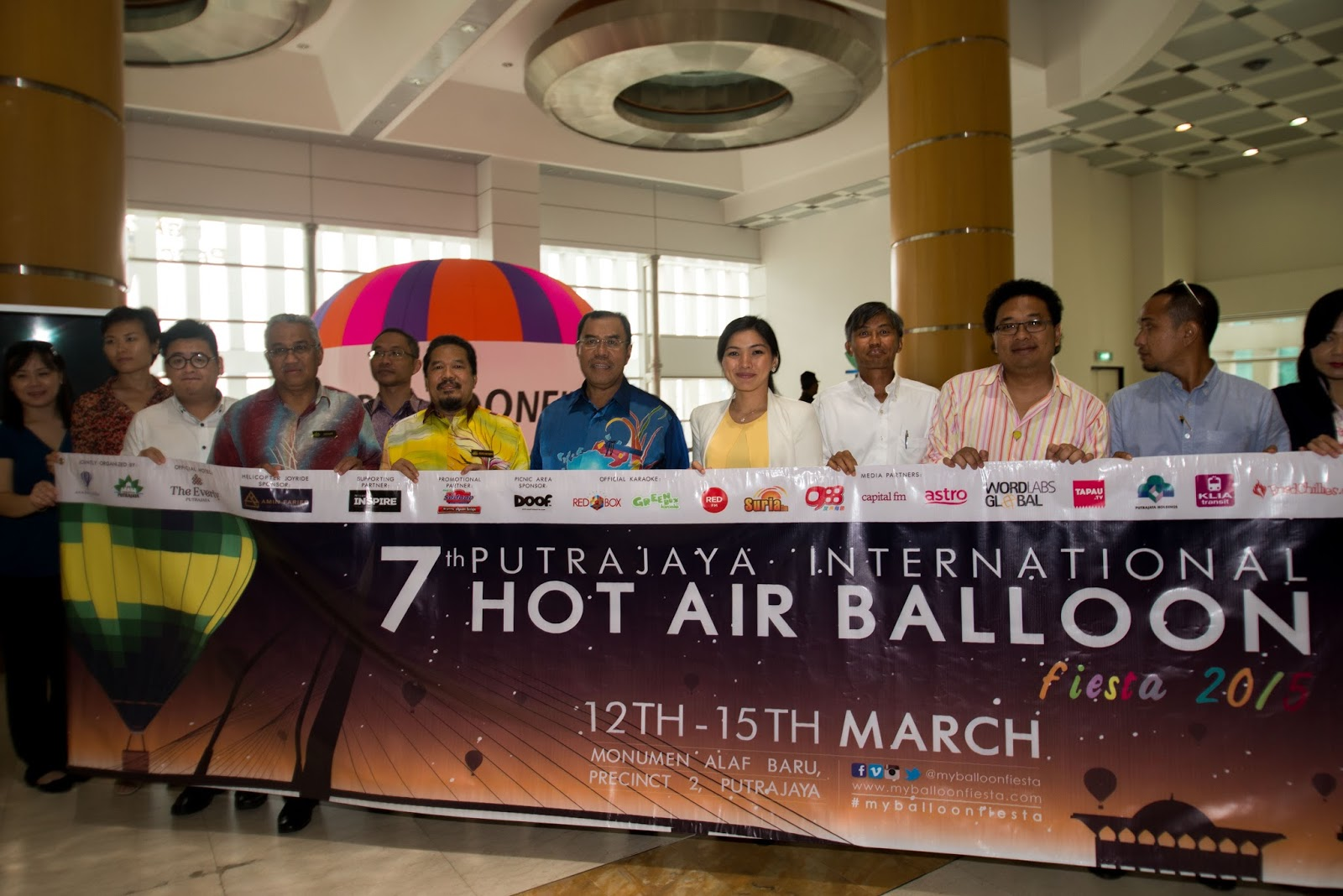 Group photo of 7th Putrajaya International Hot Air Balloon Fiesta 2015 organisers, sponsors and partners