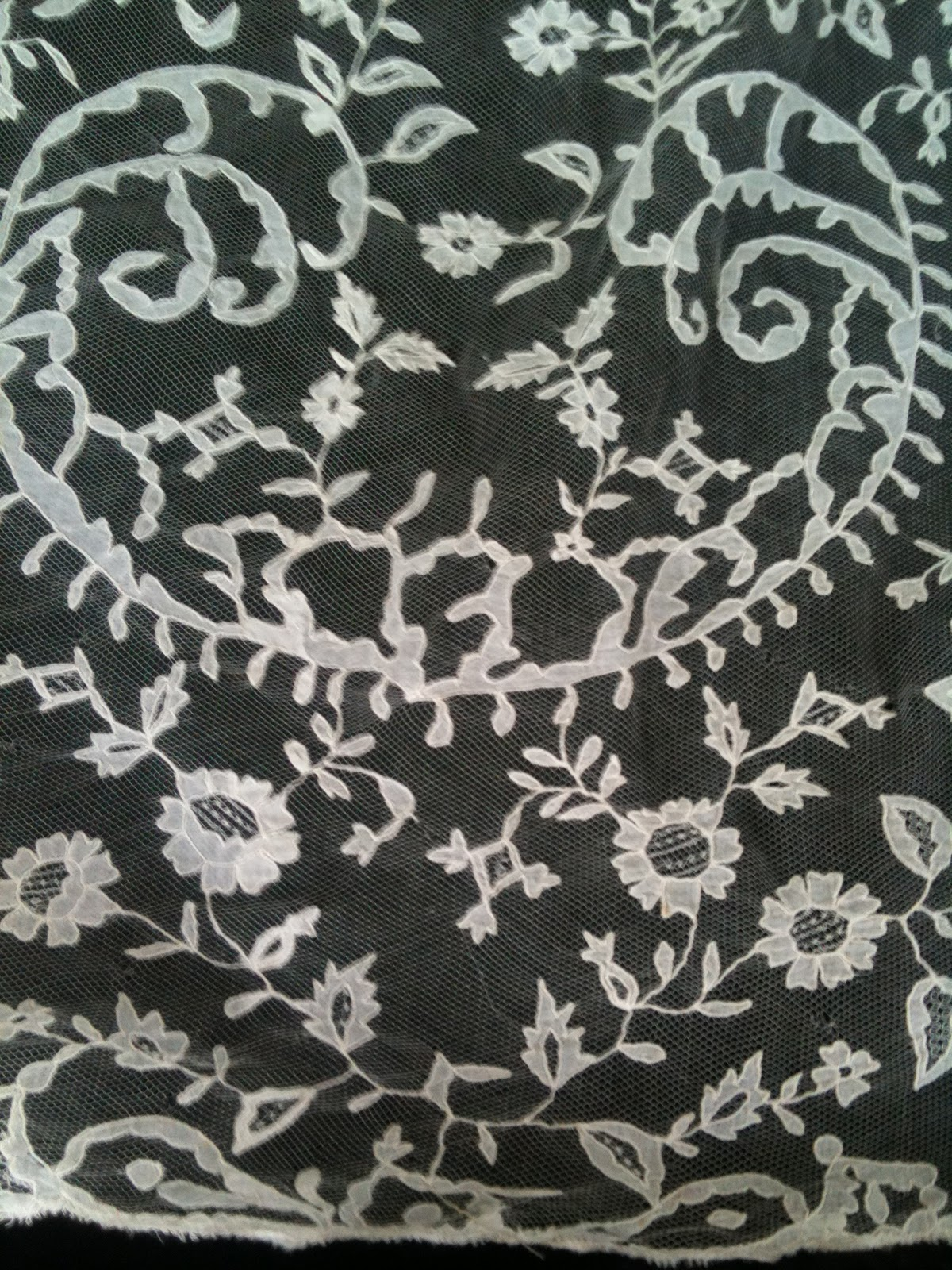 Honiton Lace For Sale Veil f 19th c Honiton Lace