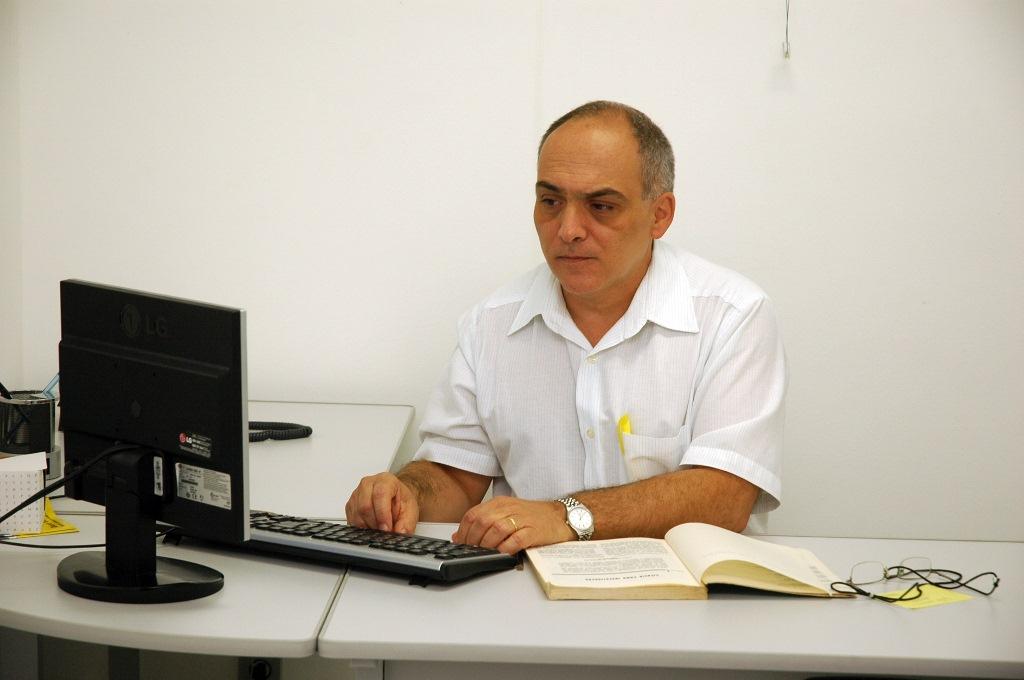 Professor Carlos Alfredo Franco Cardoso, coordenador do curso de Ciências Biológicas
