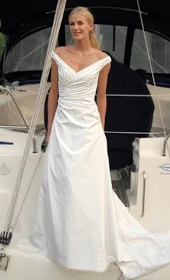 Augusta Jones dresse