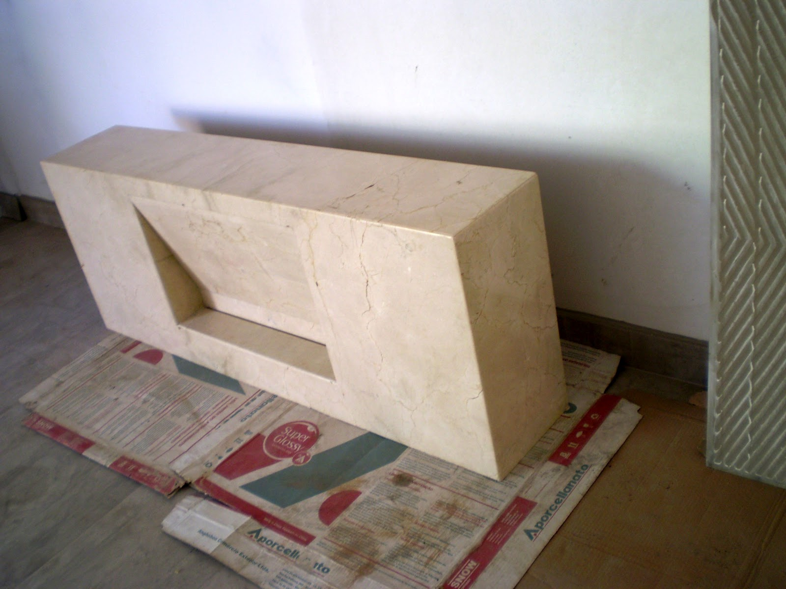 Casa da Áurea: Bancada com cuba escavada em Crema Marfil #413627 1600x1200 Bancada Banheiro Crema Marfil