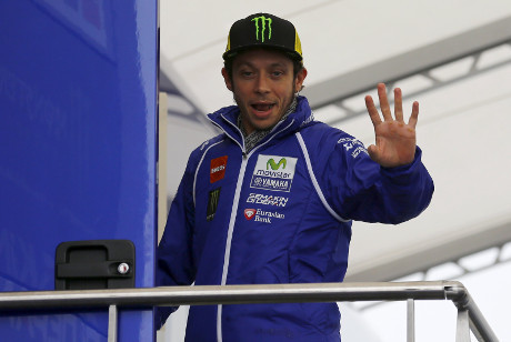 Rossi Menang, Marquez Terjatuh, Lorenzo Finis Keempat