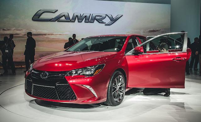 Mobil Toyota Resmi Meluncurkan Generasi Camry 2015