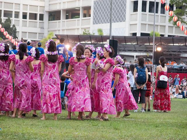 Hawaiian dancers at natsu matsuri