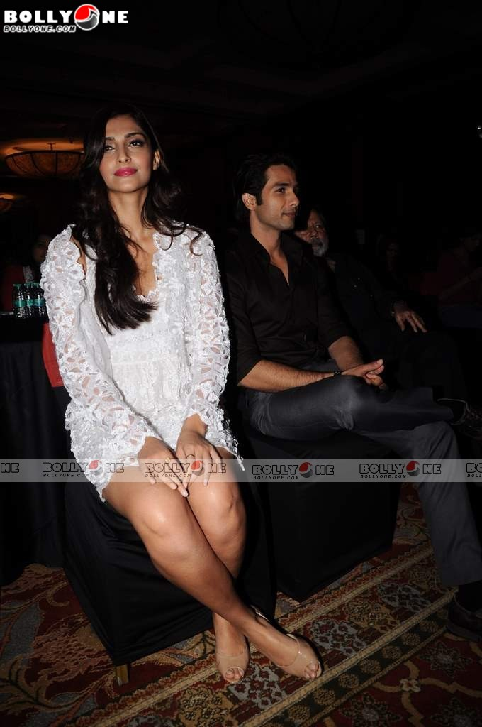 Sonam Kapoor, Shahid at Mausam Music Success Party
