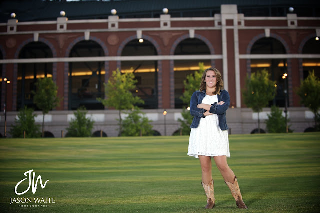 senior portrait of girl at rangers ballpark in arlington