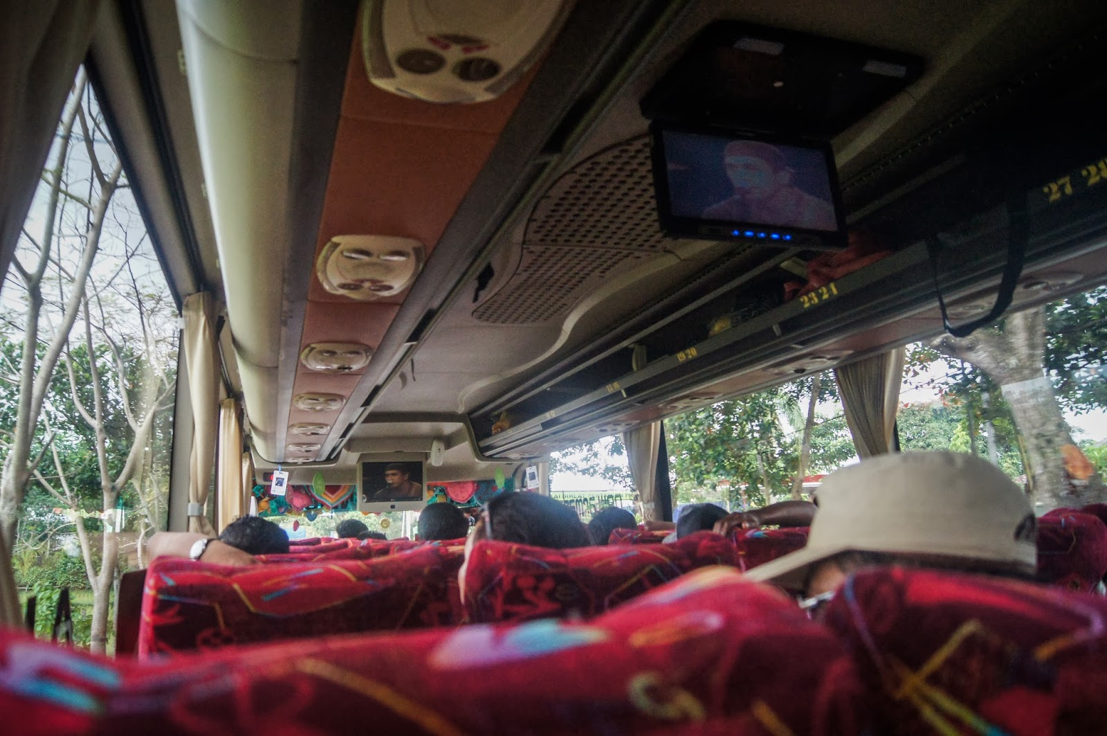 karakoke en el autobus indonesia