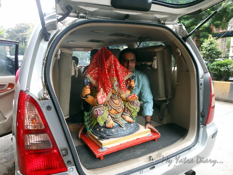 Ganesha rides in car, Ganesh Chaturthi Festival, Mumbai