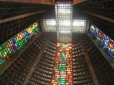 Vidrieras Catedral Metropolitana São Sebastião do Rio Janeiro, Brasil, La vuelta al mundo de Asun y Ricardo, round the world, mundoporlibre.com