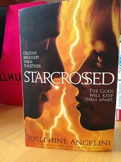 """""""Starcrossed"""" von Josephine Angelini"""