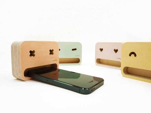 smartphones-stand-cute
