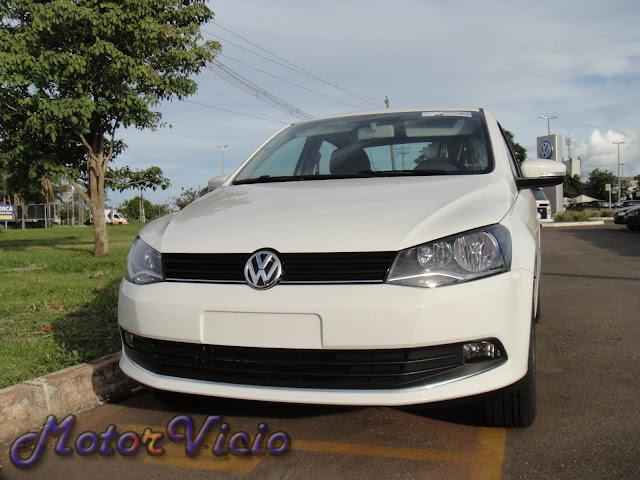 carro Voyage G6 Branco 2013 Comfortline