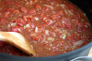 Homemade Tomato Sauce: A Great Item to Always Make From Scratch
