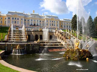 Inilah Istana paling Banyak pintunya, Peterhof Rusia