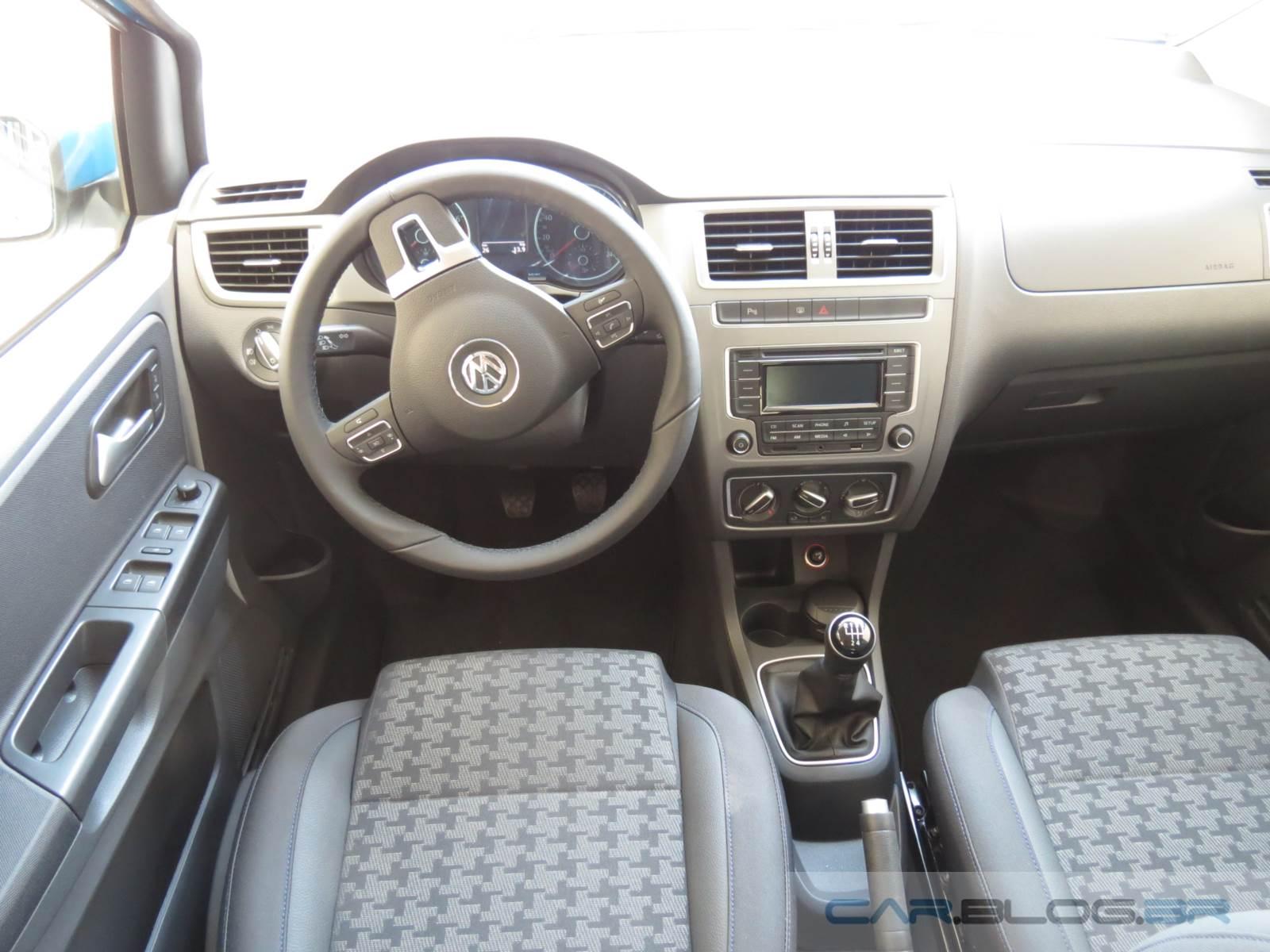 VW Fox Comfortline 2015 - interior - painel