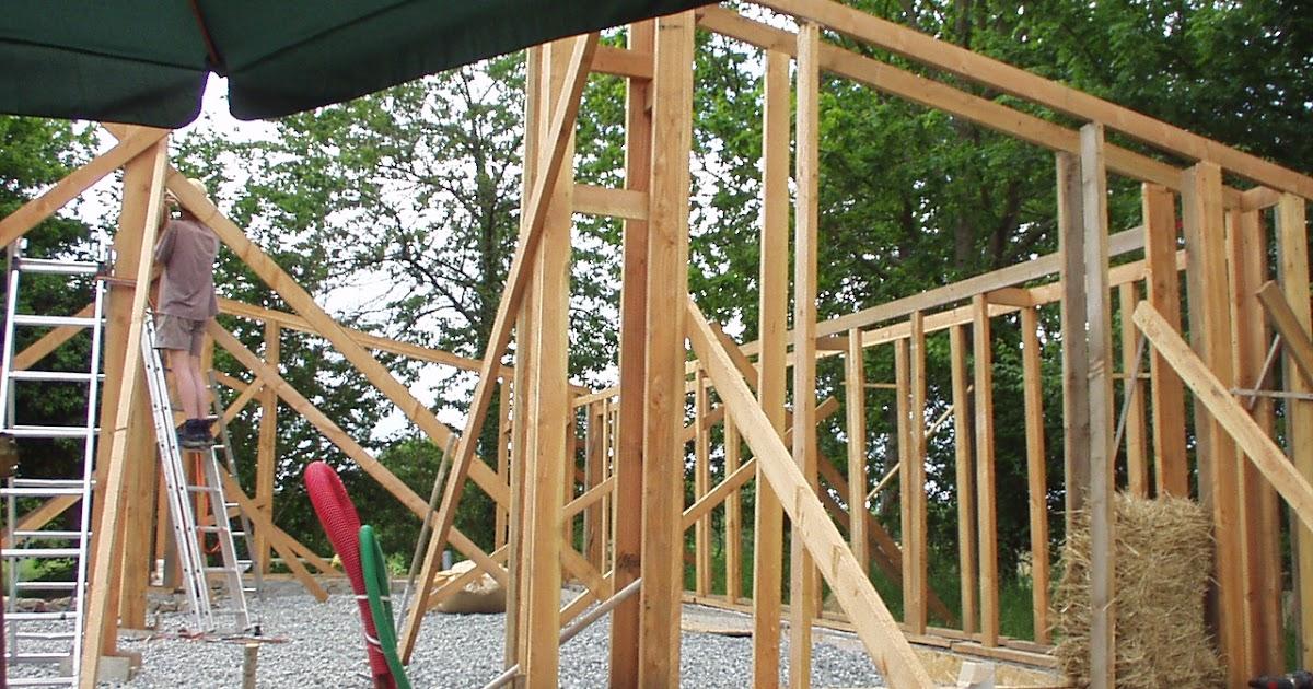 Maison terre et paille bazouges encadrements de fen tres for Encadrement de fenetre en bois