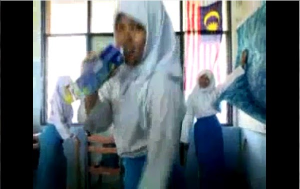 OMG : [Video] Aksi Pelajar Sekolah Menengah yang Gedik