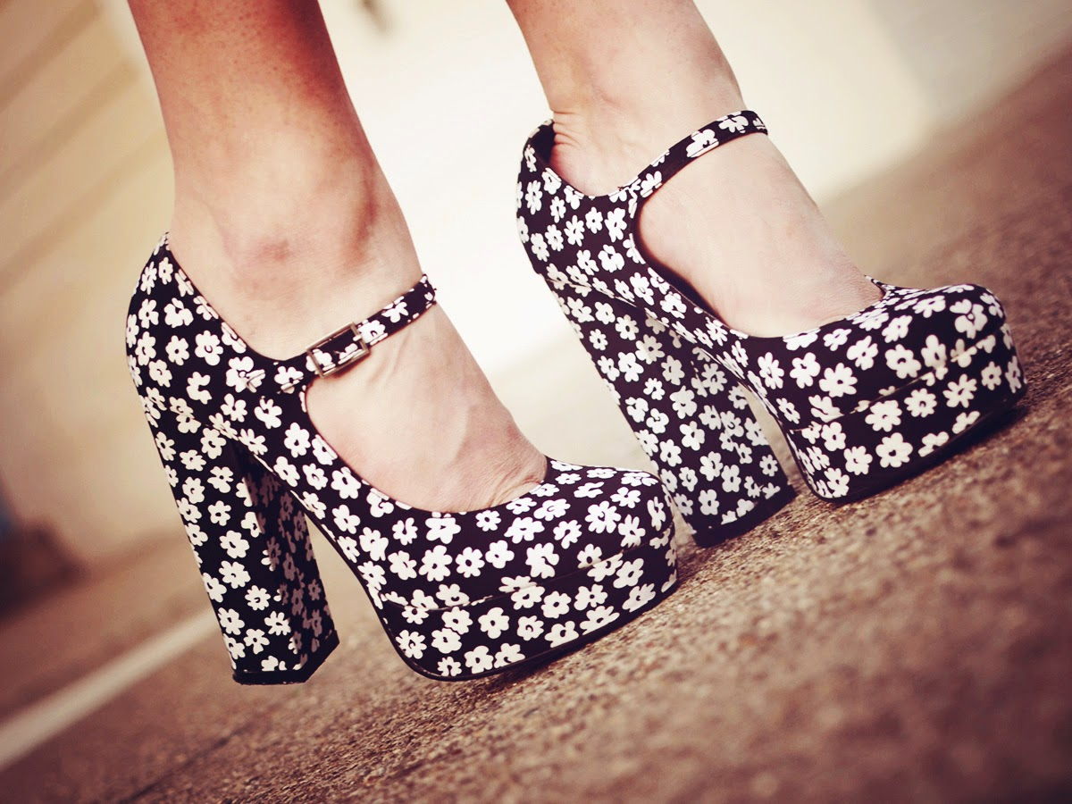 Types of shoes: Mary Janes - Tipos de zapatos: Mary Janes