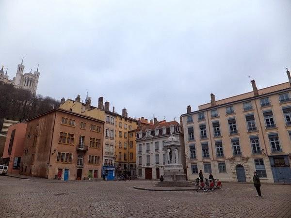 Lyon vieux place saint-jean
