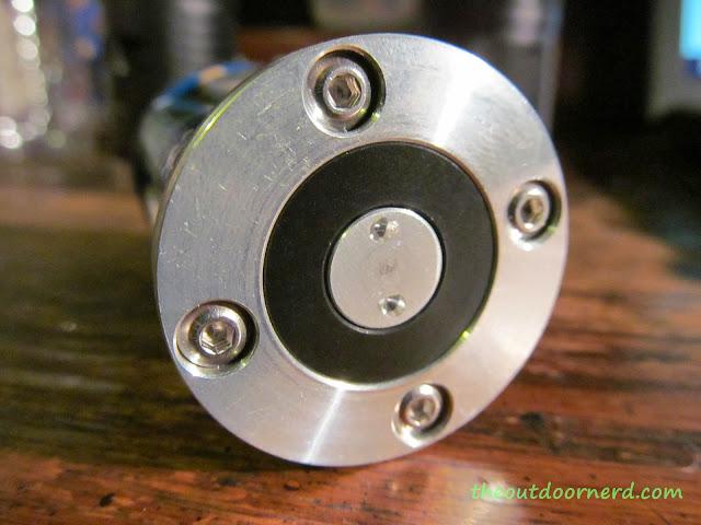 Sunwayman D40A [4xAA Flashlight] - Battery Carrier: End