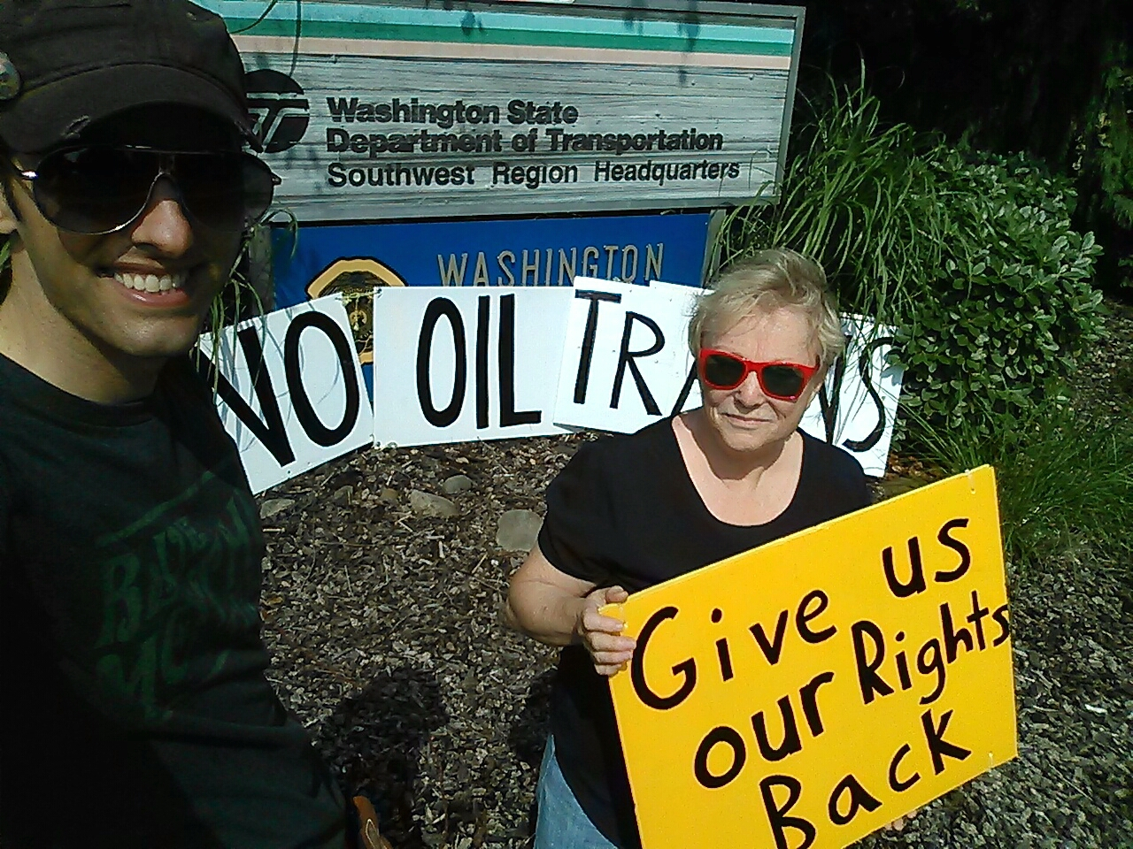 3pm dot portland give us our rights back to know about oil train shipments and don t allow oil to be shipped in dot 111 railcars