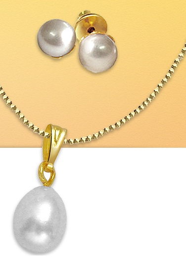 Surat Diamonds Free Pearl Set