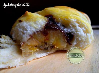 Roti isi coklat pisang