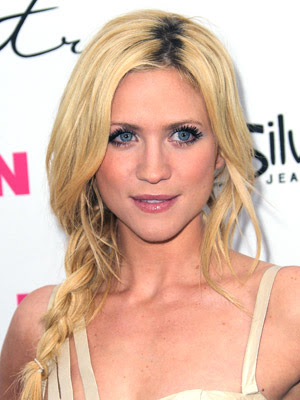 Brittany Snow Beach Y Briad Hairstyle