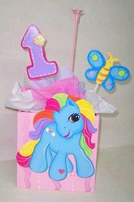 Este Centro De Mesa Incluye Una De Las Casas De My Little Pony Y El